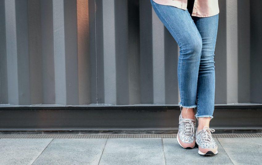 Krój dżinsów a figura - wybierz najlepszy fason dla siebie